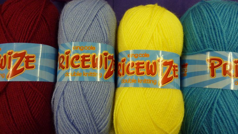 Pricewize Double knitting wool