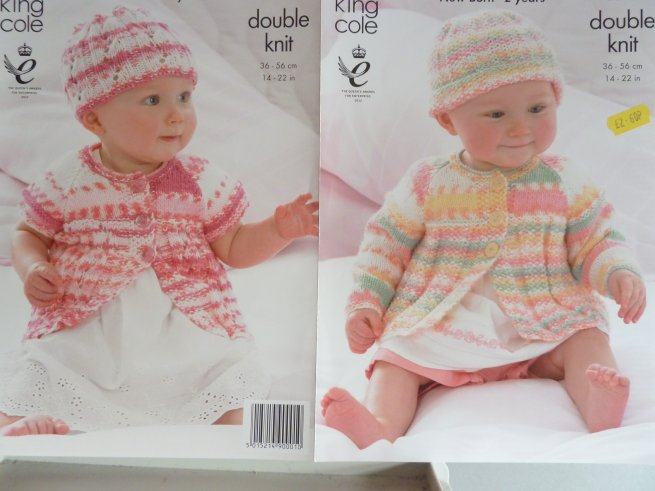 Girls double knitting pattern 3556